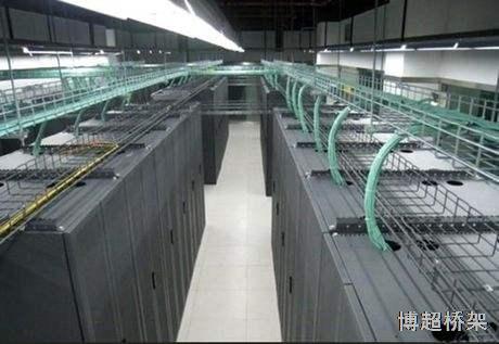 昆明某政府单位机房使用电镀锌网格桥架